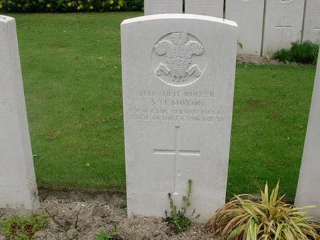 Grave of Sergeant Sydney Moxon
