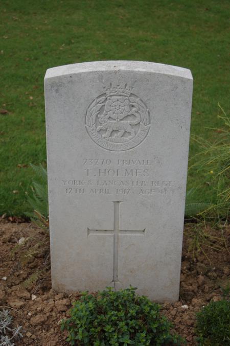 Tom Holmes' grave