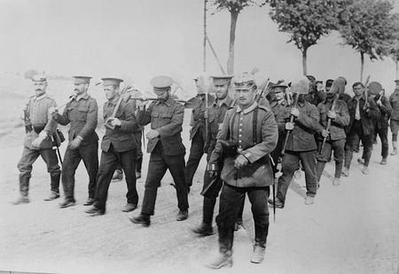 A work detail of British POWs returns to Döberitz