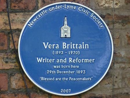 Blue plaque to Vera Brittain