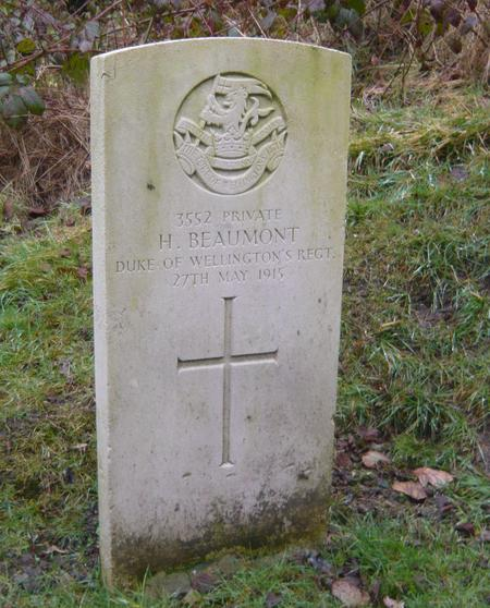 CWGC headstone of 3552 Harry Beaumont