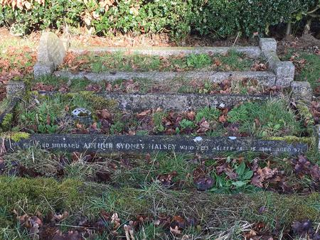 Arthur and Doris Halsey's Grave