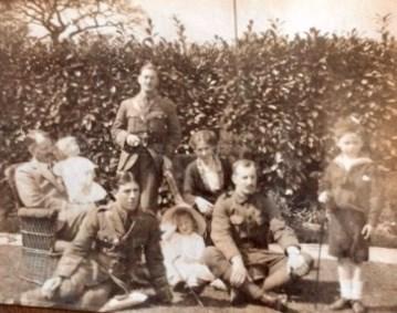 Watson family group at Greencroft, Annan, 1914