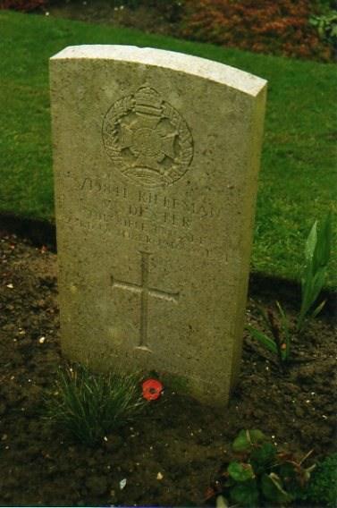 CWGC headstone William Dexter