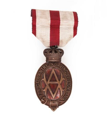 Albert Medal awarded to Victor Brookes