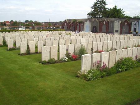 Noeux-les-Mines Communal Cemetery, Pas de Calais 1
