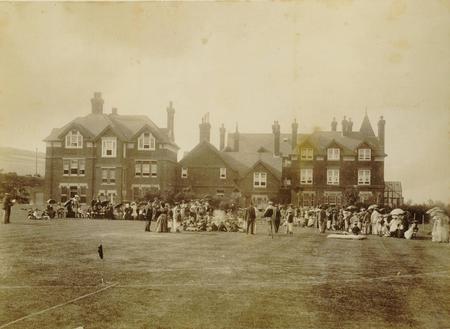 Warren Hill School