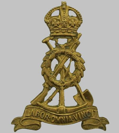 Labour Corps WW1 Cap Badge