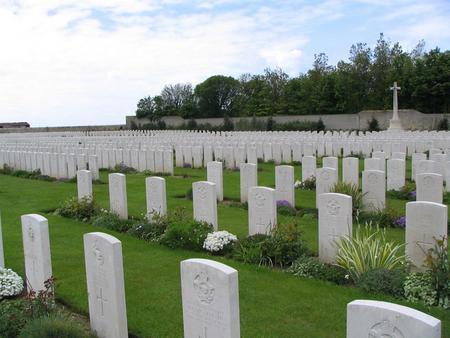 Terlincthun British Cemetery, Wimille 3