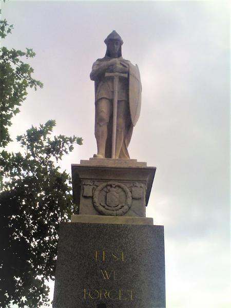 Sale War Memorial.