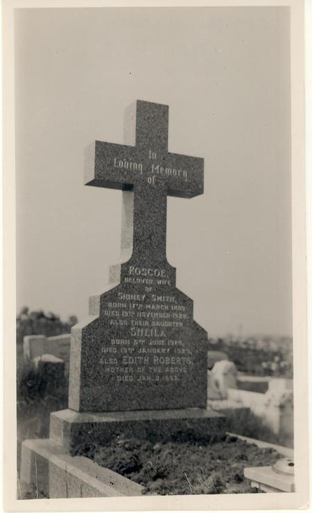 Annie Roscoe Smith's headstone