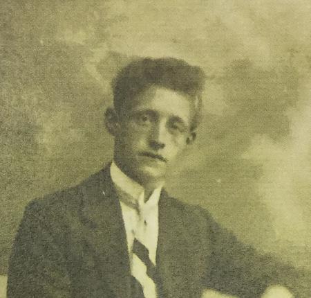 Profile picture for Joseph Knowles