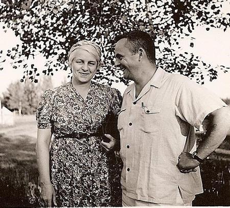 Barry and Nan Galbraith undated photo