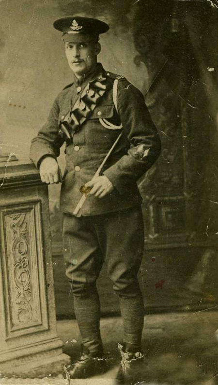 Profile picture for Ernest Hilton