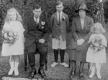 Percy, Beatrice Vass with Children