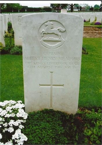 gravestone of Captain Albert Henry Meadows