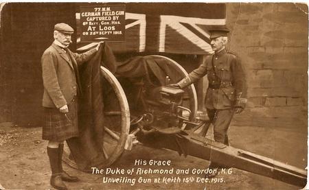 Postcard. Field Gun captured at Loos.