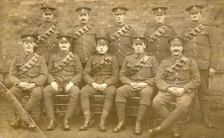 Group photo of artillerymen