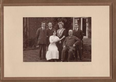 Family of John & Eliza Galbraith, 1912