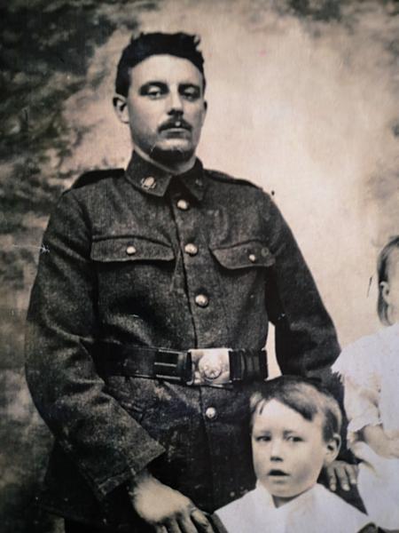 F Thompson Family photograph - extract