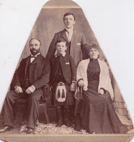 1900 Imlah family photo.