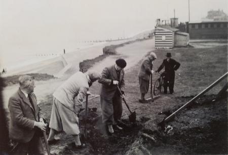 Digging foundation for Observer Post, Hornsea 1940